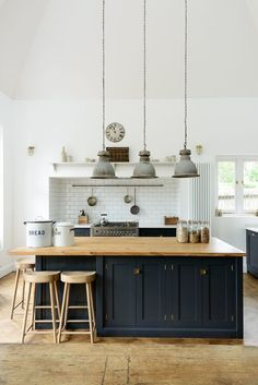 3 Incredible Useful Tips: Small Kitchen Remodel Design kitchen remodel pictures open shelves.Old Small Kitchen Remodel. Shaker Kitchen, Diy Kitchen, Kitchen Dining, Kitchen Decor, Kitchen White, Wooden Kitchen, Rustic Kitchen, Kitchen Backsplash, Awesome Kitchen