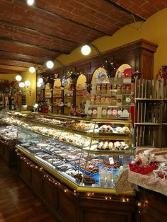 Ahead of the 14th edition of the Fiera del Cioccolato in piazza Santissima Annunziata from March 2 to 11, we take a look at Florence's finest chocolate shops.