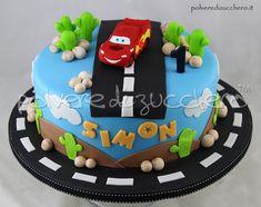Torta in pasta di zucchero di Cars: Saetta per un 1° compleanno