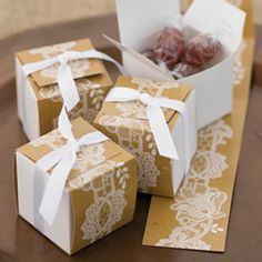 Rustic Lace Wrap Favor Boxes With Ribbons #favors #weddingfavours #rusticwedding #rusticdecor #weddinginspiration