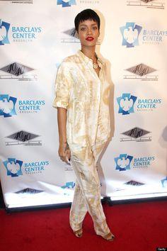 Rihanna: Sleepy Style on the red carpet. Go back home and get ready for the event - the pj look is so out of place here. Moda Rihanna, Rihanna Fenty, Rihanna Style, Rihanna Fashion, Pajama Outfits, Celebrity Workout, Bad Gal, Celebrity Look, Poplin