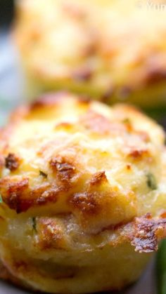 Mashed Potato Puffs – YummyGraphy Mashed Potato Puffs ~ Delicious… They are Crispy on The outside and Soft, Creamy, and Cheesy on The inside. Potato Dishes, Vegetable Dishes, Vegetable Recipes, Food Dishes, Side Dishes, Potato Recipes, Tuna Recipes, Pizza Recipes, Main Dishes