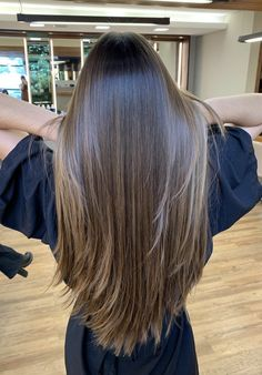 Brown Hair Balayage, Brown Blonde Hair, Hair Color Streaks, Hair Highlights, Haircuts Straight Hair, Gorgeous Hair Color, Hair Shades, Aesthetic Hair, Light Hair