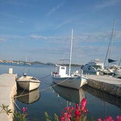 Murter port #tradicionalni #brod #gajeta #port #instaphoto #traditional #boat #murter #island #dalmatia #lovecroatia #crostagram #croatia #croazia #kroatien #htvatska #nokia #nokialumia #nokiahrvatska #_connects #LumiaPlavo