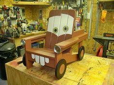 Une chaise Martin la dépanneuse de Cars. 21 créations géniales pour enfants avec des palettes