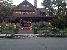Beautiful arts & crafts period home in Palo Alto CA. Driving by and had to turn around and go back to take a picture. Beautifully decorated for fall! Craftsman Bungalow Exterior, Craftsman Bungalows, Arts And Crafts House, Victorian Houses, British Colonial, House Exteriors, Autumn, Fall, Wonderful Time