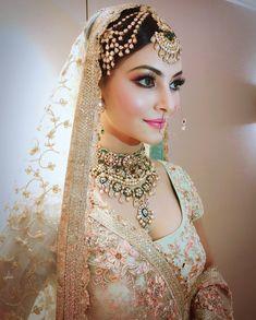 Indian bride look Bollywood star . Indian Bridal Fashion, Indian Bridal Makeup, Indian Wedding Jewelry, Bridal Jewellery, Jewellery Box, Bridal Makeup Images, Bridal Makeup Looks, Indian Bridal Wear, Diamond Jewellery