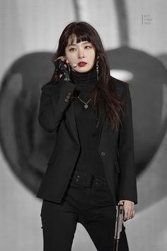 Seulgi Pics ♡ 슬기 나비야 в Твиттере: «agent seulgi ★彡… Kpop Fashion, Korean Fashion, Fashion Outfits, Red Velvet Seulgi, Red Velvet Irene, Black Velvet, Stage Outfits, Kpop Outfits, Mode Rose