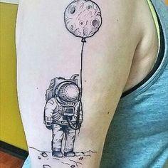 ay ve astronot dövmeleri moon and astronaut tattoos