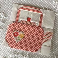 Farm Girl Vintage-Kettle's On. Come on over! This cute block is going in my Splendid Sampler. #bmarzsplendidsampler #corianderquilts #farmgirlvintage