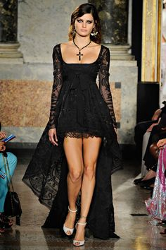 Emilio Pucci Spring 2012 RTW - Review - Fashion Week - Runway, Fashion Shows and Collections - Vogue - Vogue