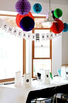 How to Host an Easy Cupcake Wars Party at PagingSupermom.com