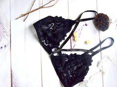 Black bra// Lingerie set// Lingerie lace seductive// Black lingerie underwear// Bralette outfit// Bralette lace// Bralette diy// Padded Lace Bra// Lingerie bras// Lacy bras// Lace bra// Long line bra// Floral lingerie// Underwire Bra Lace Lingerie // Sexy Lace Details Lingerie //Strappy bralette lingerie