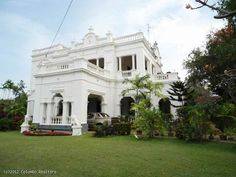 15,000 sq.ft large spacious colonial house with 30 parking off Galle Rd/Duplication Road: Colombo, Sri Lanka. Colonial Mansion