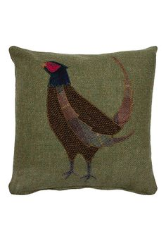 Sewing Cushions The Glenalmond Harris Tweed Sporting Cushions come complete with a zipped cover and feather filled pad. Applique Cushions, Sewing Pillows, Wool Applique, Dog Cushions, Fabric Art, Fabric Crafts, Sewing Crafts, Sewing Projects, Sewing Ideas