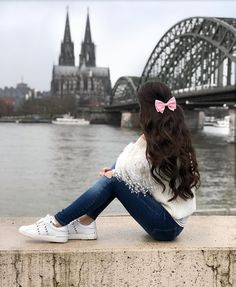 Cute Girl Poses, Cute Girl Photo, Girl Photo Poses, Girl Photos, Friend Poses Photography, Dreamy Photography, Teenage Girl Photography, Beautiful Girl Drawing, Cute Girl Drawing
