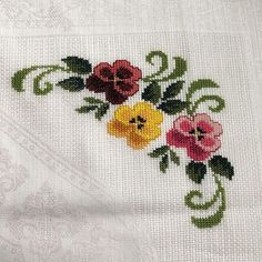 1 million+ Stunning Free Images to Use Anywhere Beaded Cross Stitch, Cross Stitch Borders, Cross Stitch Rose, Cross Stitch Flowers, Cross Stitch Patterns, Sewing Stitches, Crochet Stitches, Baby Embroidery, Embroidery Designs