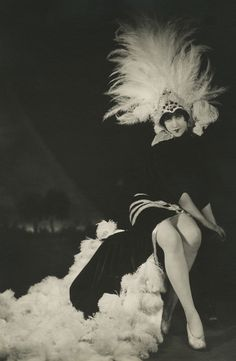 Mistinguett in the Follies Bergere. Ph: Herbert Mitchell
