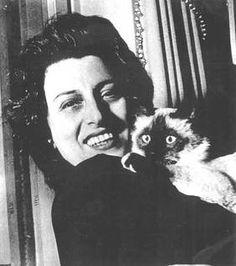 Anna Magnani e i suoi gatti.
