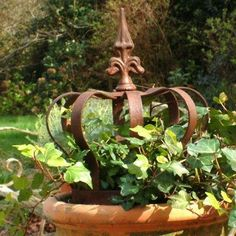 Rustic Garden Decor | and this one for sale at a brocante in Paris…