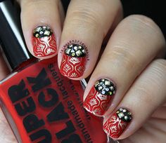 Super Black Nail Art: Cannibal red and black manicure