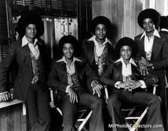 Credit image: Jacksons cj Rest in Peace Michael! Until the next tomorrow! Michael Jackson Story, Photos Of Michael Jackson, Michael Love, The Jackson Five, Randy Jackson, Jackson Family, You Are The Sun, Family Bonding, The Jacksons