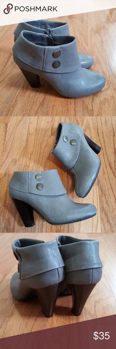 Bass (Louroes) Ankle Boots ~ Size 7 Bass Ankle Boots (Louroes) ~ Size 7. Gently Used Condition. Bass Shoes Ankle Boots & Booties