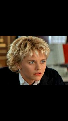 Meg ryan in French Kiss Cute Hairstyles For Short Hair, Short Hair Cuts, Short Hair Styles, Meg Ryan, French Kiss, Cute Shorts, Pixie, How To Memorize Things, Hair Makeup