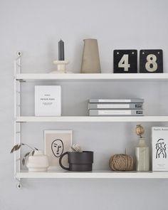 String pocket shelf styling - soft greys and neutrals Wine Glass Shelf, Glass Shelves Kitchen, Kitchen Cupboard, Kitchen Cabinets, Scandinavian Shelves, Scandinavian Kitchen, Scandinavian Interior, Living Room Shelves, Houses