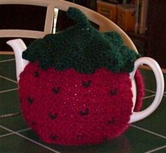 Crochet Strawberry, Strawberry Tea, Free Crochet, Knit Crochet, Little's Coffee, Tea Cosies, Cozies, Tea Cozy, Pattern Library