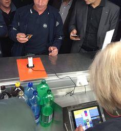 Bargeldlos bezahlen im Fussballstadion Basel an der iPad GASTROFIX Kasse mit der Kredit-Karte Ipad, Software, Fine Dining, Cash Register, Football Soccer