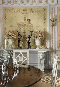 JUAN PABLO MOLYNEUX - A big name in the world of interior design, Chilean designer Molyneux is famous for his grand, majestic, luxurious interiors. His projects catch the eye for sure! #topinteriordesigner #topdesigner #bestinteriors