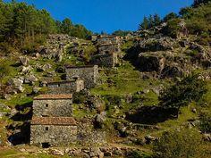 """Los curiosos 60 molinos """"en cascada"""" de Galicia (Molinos del Folón y del Picón)"""