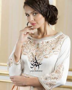 Simply peach  #caftan#kaftan#moroccan#dubai#abudhabi#wedding#ramadan#bride#qatar#jalabiya#luxurylife#luxurycaftans#caftan2016#arabic#fashion#chic#dress#gown#handwork#arabicfashion#القفطان_المغربي #قفطان #قطر #دبي