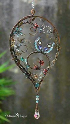 Bijoux Wire Wrap, Wire Wrapped Jewelry, Wire Jewelry, Garden Crafts, Garden Art, Garden Ideas, Diy Art, Carillons Diy, Dream Catcher Craft