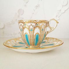 Tea cup and saucer https://www.pinterest.com/lahana/mugs-cups-and-drinkware/