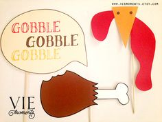 Freebies! Thanksgiving photobooth props DIY download by VIEmoments