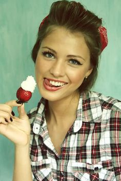 cute pin up look. She is gorgeous.