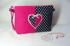 *KrimsKrams-Tasche* - Kosmetiktasche und was für Namen man ihr noch geben mag :)  Eine hübsche, einfache und schlichte Krims-Krams-Tasche für alles was Frau so mit sich führt. Innen mit Wachstuch...