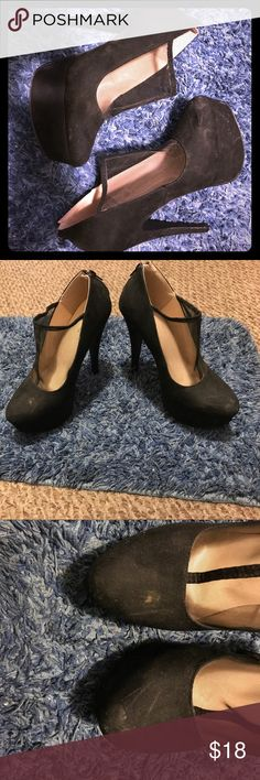 Black mesh high heel shoes size 9 Black high heels with black mesh along front of foot. Super comfortable, and very sexy. Signs of use are noticeable, as seen in photos. Best offer :) run a little big, I wear a size 9 and my foot was sliding a little but the mesh holds foot in shoe Qupid Shoes Heels