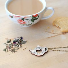Hey, I found this really awesome Etsy listing at https://www.etsy.com/uk/listing/195562681/music-necklace-tea-jewellery-musical