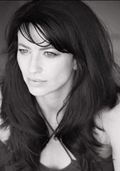 Claudia Black, voice for Morrigan from Dragon Age, Admiral Xen/Matriarch Aethyta from Mass Effect. Also Aeryn Sun from Farscape and Vala in - LOVE her! Daniel Jackson, Black Actresses, Actors & Actresses, Ben Browder, Claudia Black, Beautiful People, Beautiful Women, Pretty People, Celebs