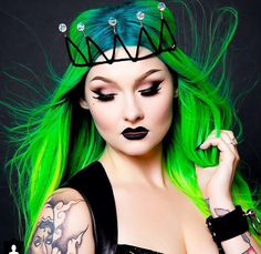 blue and neon green hair Weave Hairstyles, Cool Hairstyles, Locks, Hair Chalk, Barrettes, Coloured Hair, Bright Hair, Dye My Hair, Rainbow Hair