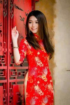 Vietnamese Clothing, Vietnamese Dress, Beautiful Japanese Girl, Beautiful Asian Women, Vietnamese Traditional Dress, Traditional Dresses, Asian Fashion, Asian Woman, Asian Beauty
