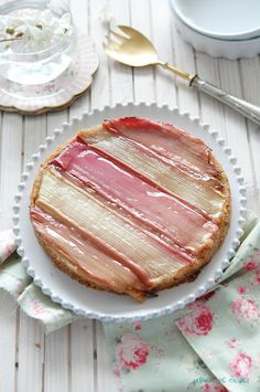 Rhubarb tart with caramel tea pastry cream