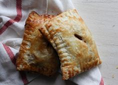 33 Portable Hand Pies That Will Change the Way You Eat . Pork Recipes, Cooking Recipes, Bread Recipes, Recipies, Homemade Apple Pies, Food Combining, Hand Pies, Morning Food, Pulled Pork