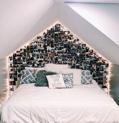 cute dorm rooms decoration for cute girl 30 Cute Room Decor, Teen Room Decor, Room Ideas Bedroom, Bedroom Decor, Teen Bedroom, Teenage Bedrooms, Bedroom Inspo, Cute Dorm Rooms, Cool Rooms