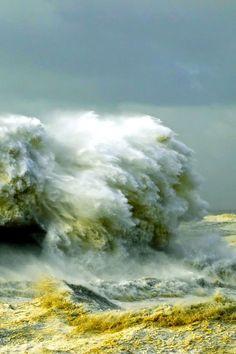 Crashing Waves #sea #ocean #movement