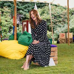 The Duchess of Cambridge Supports BBC's 'Tiny Happy People' Fashion Looks, Beauty And Fashion, Royal Fashion, Estilo Real, Popular Dresses, Nice Dresses, Kate Middleton News, Herzogin Von Cambridge, Princesa Kate Middleton