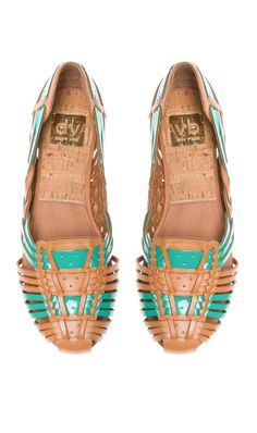 Woven sandals Harashi we wore in seventys that had tire tread soles Made in Mexico Sock Shoes, Cute Shoes, Me Too Shoes, Shoes Heels, Pumps, Flat Shoes, Vogue, Only Shoes, Mode Inspiration